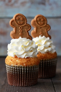 Gingerbread-Latte-Cupcakes_Bakers-Royale-2