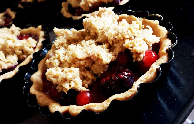 Red Black & Blue Crumble Tarts2- Oh So Sweet Baker