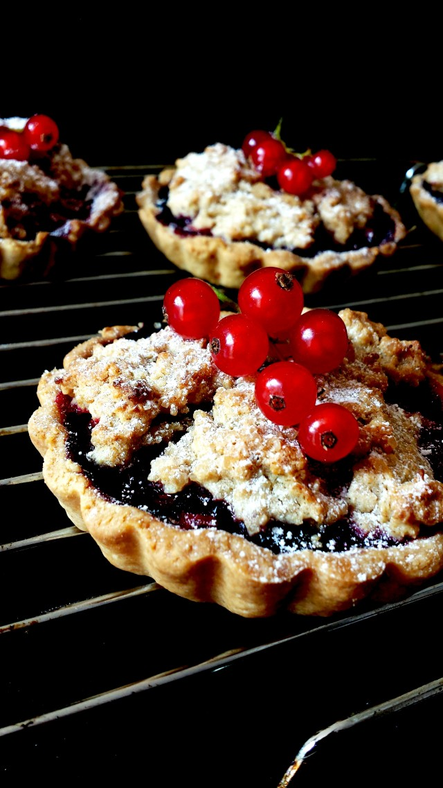 Red Black & Blue Crumble Tarts4- Oh So Sweet Baker